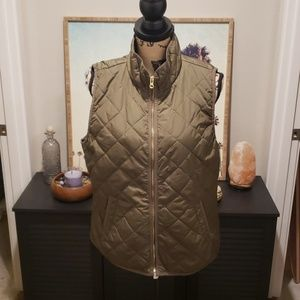 Old Navy lightweight puffer vest